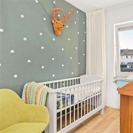 Stippen babykamer