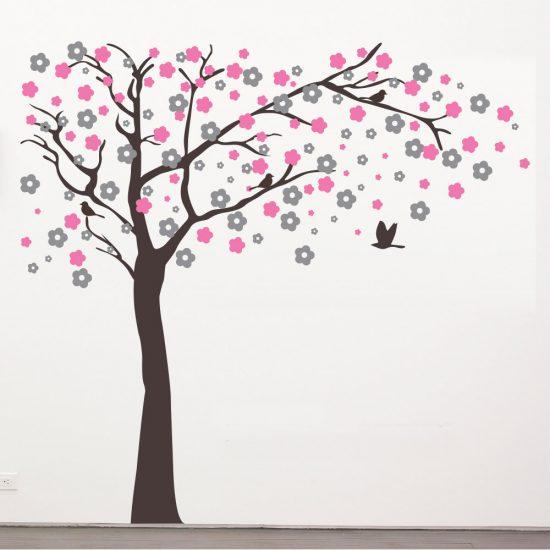 muursticker-boom-roze-grijs-bruin-vogeltjes-kinderkamer-fleurig-vrolijk