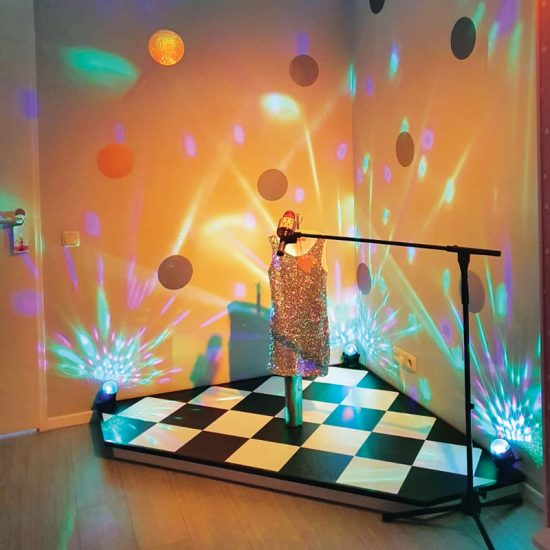 slaapkamer ideeen inspiratie podium danseres meisjeskamer meidenkamer stoer