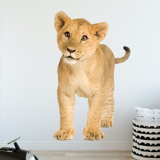 muursticker-leeuw-welp-baby
