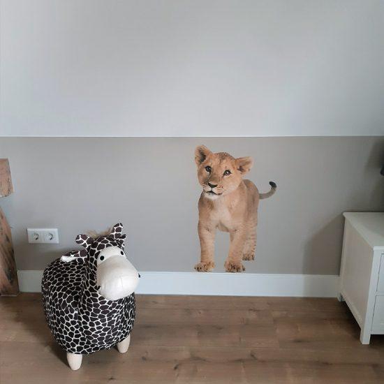 muursticker welp leeuw kinderkamer meisjeskamer stoer muur ideeen inspiratie verven