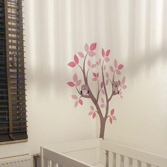 meidenkamer boom sticker interieur ideeen inspiratie roze