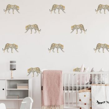muursticker luipaard patroon waterverf babykamer kinderkamer ideeen roze