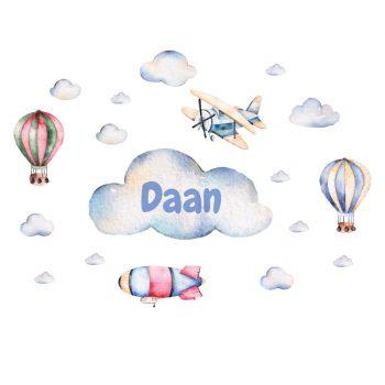 luchtbalonnen vliegtuig muursticker wolken zeppelin babykamer blauw naamsticker inspiratie ideeen verven acessoires