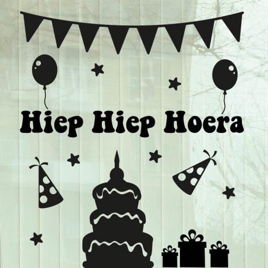 raamsticker herbruikbaar verjaardag zwart taart balonnen sterren vlaggetjes